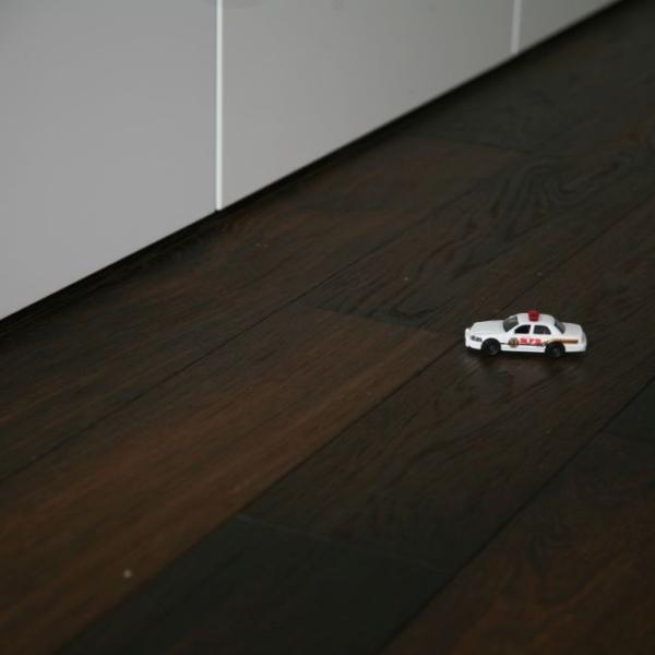 Nasza realizacja: podłoga dąb czarny wędzony